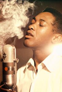 cuidado de la voz cantante fumando